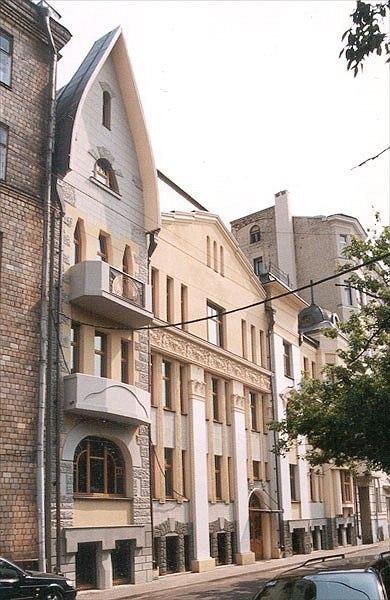 Реконструкция и реставрация жилого дома в Чистом переулке