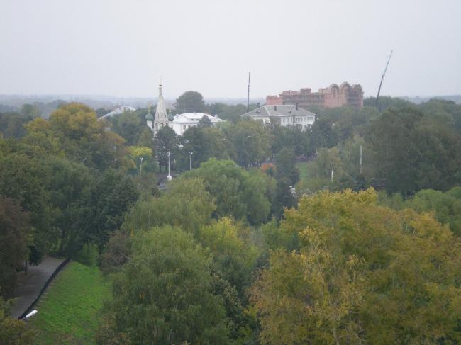 Строительство нового Успенского собора Ярославля, весна 2008 г. Вид на Стрелку. Фото И. Смолина