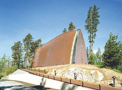 Часовня Св. Хенрика на острове Хирвенсало. Архитектор: Матти Санаксенао. (St Henry's Ecumenical Art Chapel, Turku, Finland 2005. Sanaksenaho Architects)