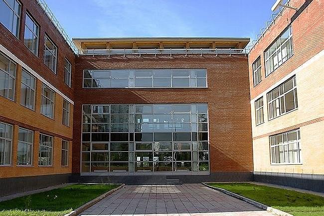 Школа в Тропарево-Никулино. Фотография © А. Народицкий