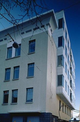 Офисное здание в Дегтярном переулке