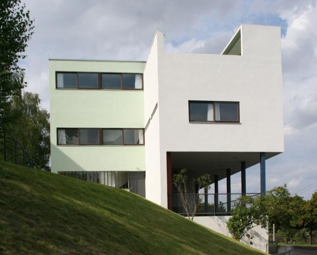 Дома 14 и 15 в поселке Вайсенхоф. Фото: Tyke via Wikimedia Commons. Лицензия CC BY-SA 3.0