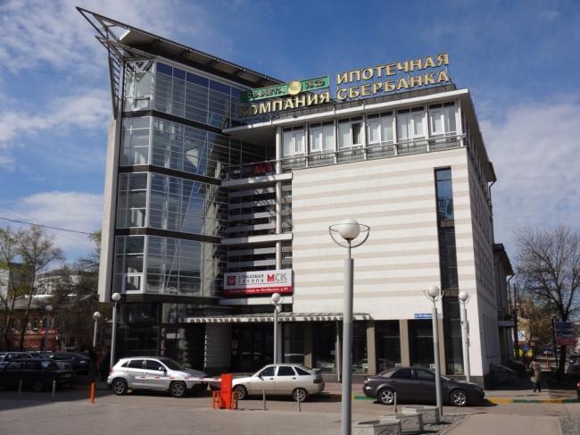 Административно-торговое здание «Айсберг» ©  Творческая мастерская архитектора Быкова
