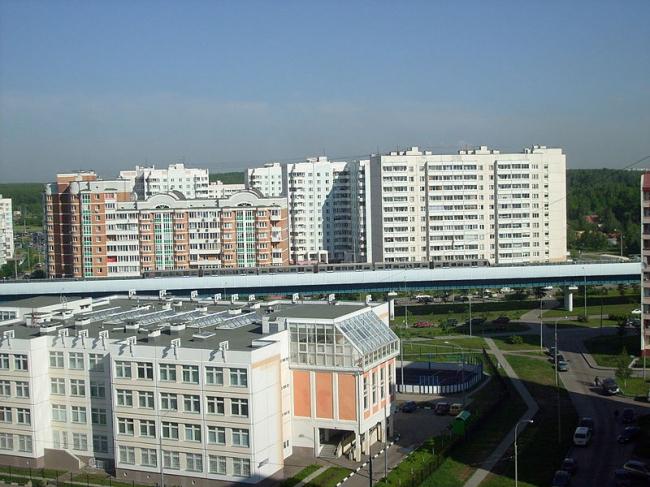 Бутовская линия легкого метро в Москве. Фото: Aleksb1 via Wikimedia Commons. Лицензия GNU Free Documentation License, Version 1.2