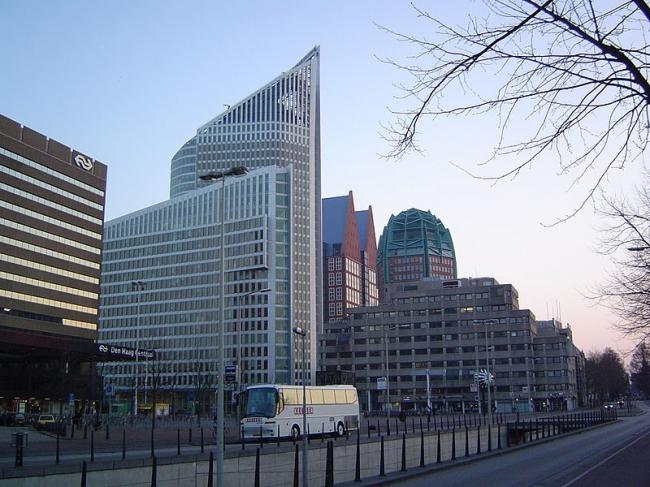 Де Хофторен - здание Министерства образования, искусства и науки Нидерландов. Фото: Joris via Wikimedia Commons. Лицензия GNU Free Documentation License, Version 1.2