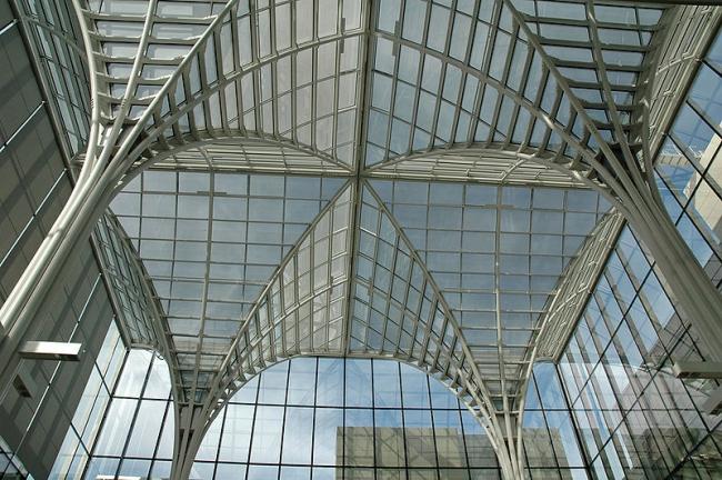 Школа бизнеса Университета Чикаго. Фото via Wikimedia Commons. Лицензия CC-BY-SA-2.5