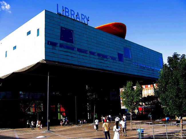 Библиотека района Пекэм. Фото: CGP Grey via Wikimedia Commons. Лицензия CC-BY-2.0