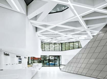 Музей Porsche. Вестибюль