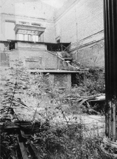 Новый музей. Вестибюль. Фото 1985 г.