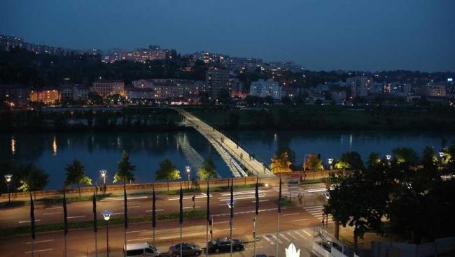 Пешеходный мост через Рону