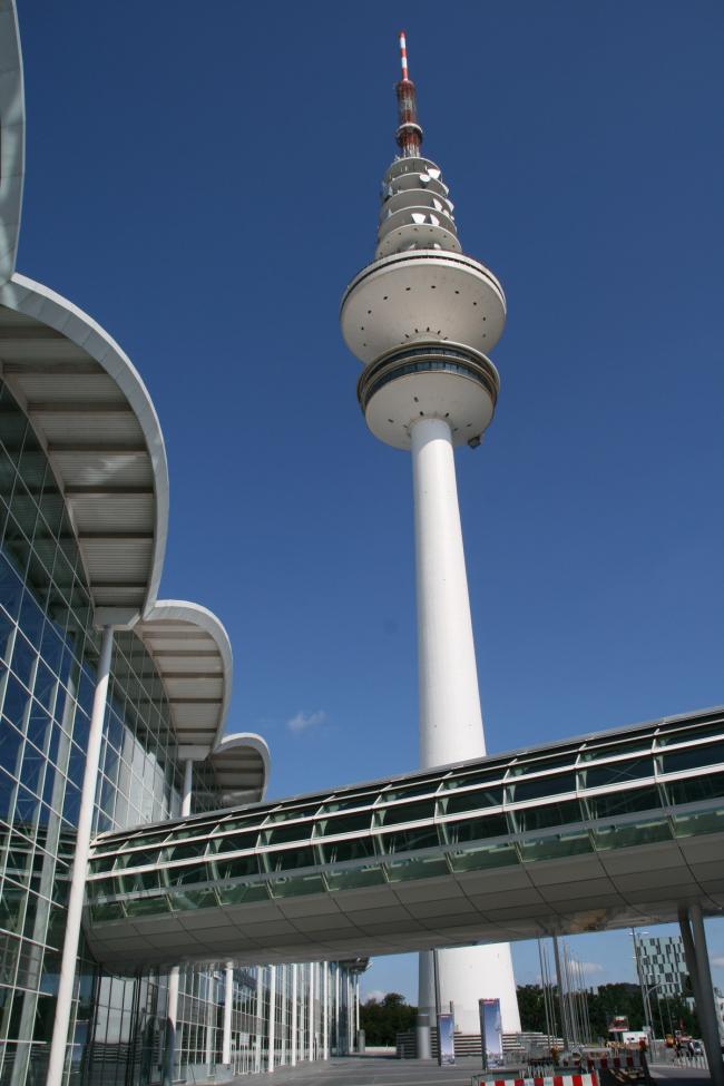 Новая Гамбургская ярмарка - выставочный комплекс. Фото: G. Sawatzky via Wikimedia Commons. Лицензия GNU Free Documentation License, Version 1.2
