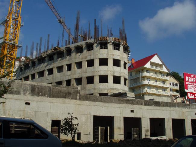 в процессе строительства