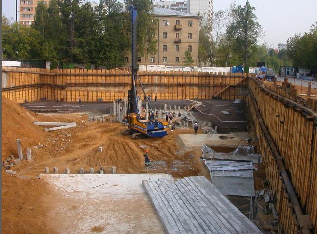 Жилой комплекс с подземной автостоянкой на улице Сельскохозяйственной. В процессе строительства © Алексей Бавыкин и партнёры