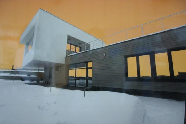 """III место. «Реализованный жилой дом». АМ """"za bor"""".  Дом с оранжевым небом."""