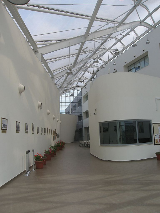Школа «Хейлибери-Казахстан». Фото: Webhas via Wikimedia Commons. Лицензия CC-BY-SA-3.0