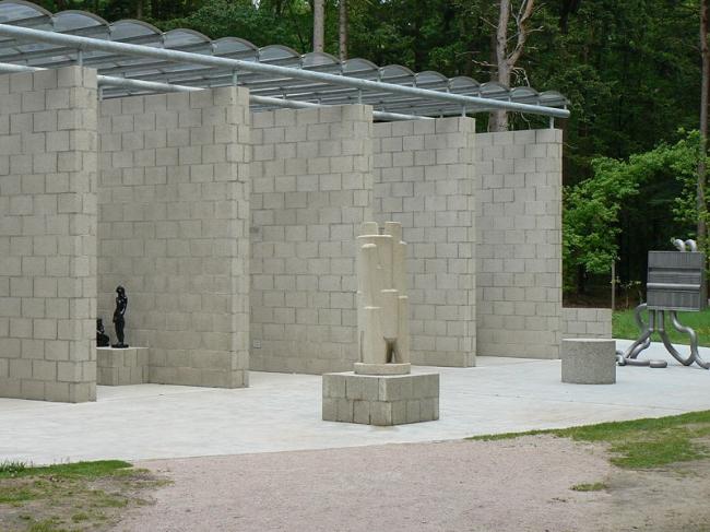 Павильон в парке Музея Крёллер-Мюллер. Фото: Gerardus via Wikimedia Commons. Фото находится в общем доступе