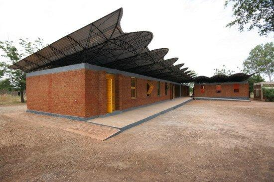 Дьебедо Франсис Кере. Лицей в Дано (Буркина-Фасо). 2007 © D. Francis Kere