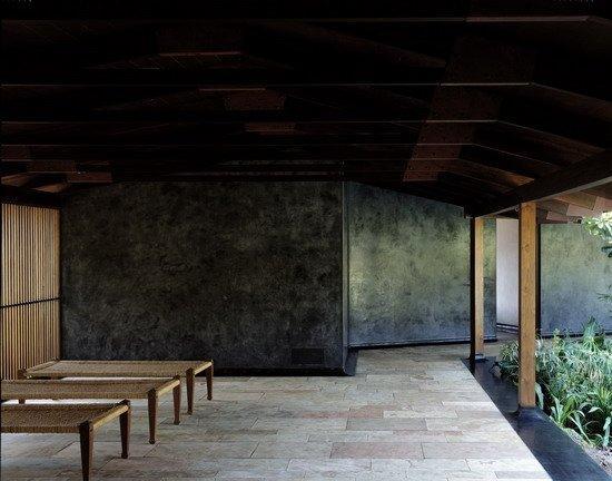 Биджой Джайн. Дом Тара в Кашиде, Махараштра (Индия). 2005 © Helene Binet