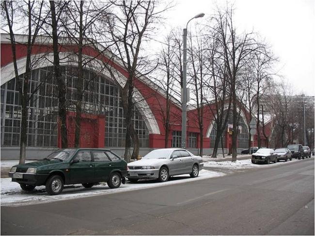 Автомобильный гараж на улице Рогожской
