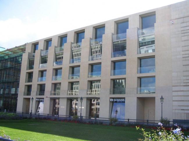 Здание DZ Bank в Берлине. Фото Jean-Pierre Dalbéra / Wikimedia Commons