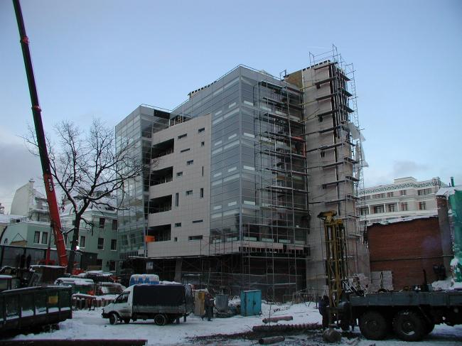 Административное здание с подземной автостоянкой на ул. Большая Дмитровка, 16. В процессе строительства © Александров и партнеры