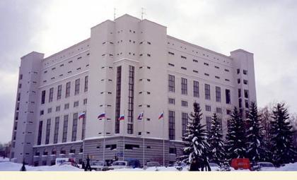 Жилой дом по ул. Кирова. Арх. А. Андрианов, А. Какашинский (1999, 2000)