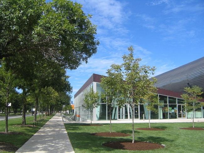 Центр МакКормик-Трибьюн. Фото: Richard Duncan via Wikimedia Commons. Лицензия CC-BY-SA-2.5