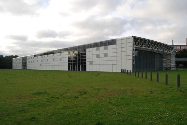 Центр изобразительных искусств Сейнсбери. Фото: Nigel Chadwick via Wikimedia Commons. Лицензия CC-BY-SA-2.0