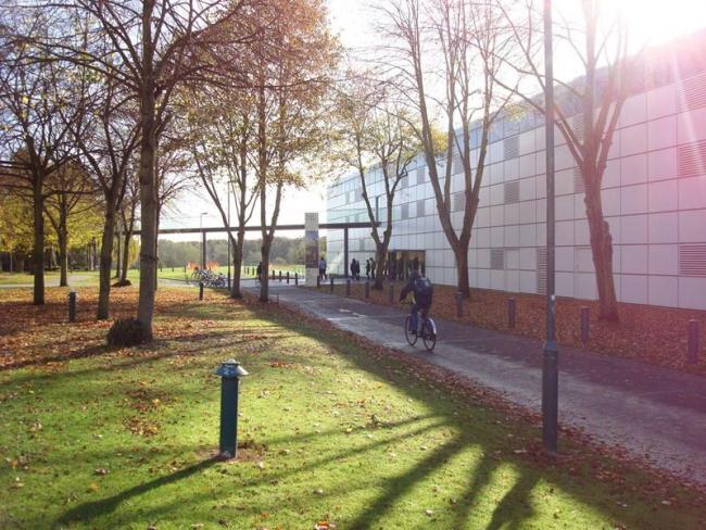 Центр изобразительных искусств Сейнсбери. Фото: IWAM2009 via Wikimedia Commons. Фото находится в общественном доступе
