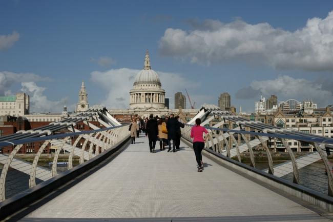 Мост Тысячелетия. Фото: Peter Trimming via Geograph. Лицензия CC BY-SA 2.0