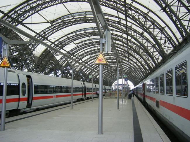 Центральный вокзал Дрездена -- реконструкция. Фото: hirohabibi via Wikimedia Commons. Лицензия GNU Free Documentation License, Version 1.2