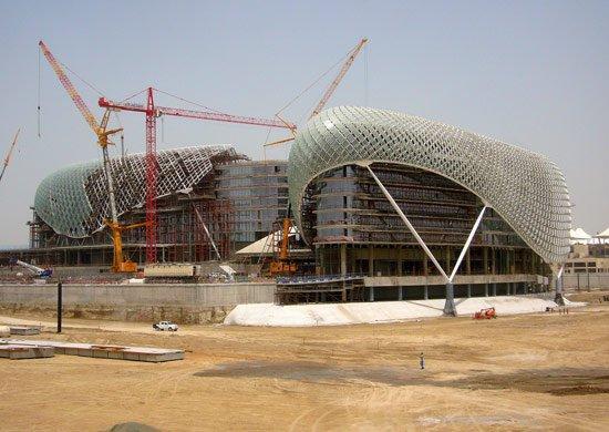Отель Йас в процессе строительства