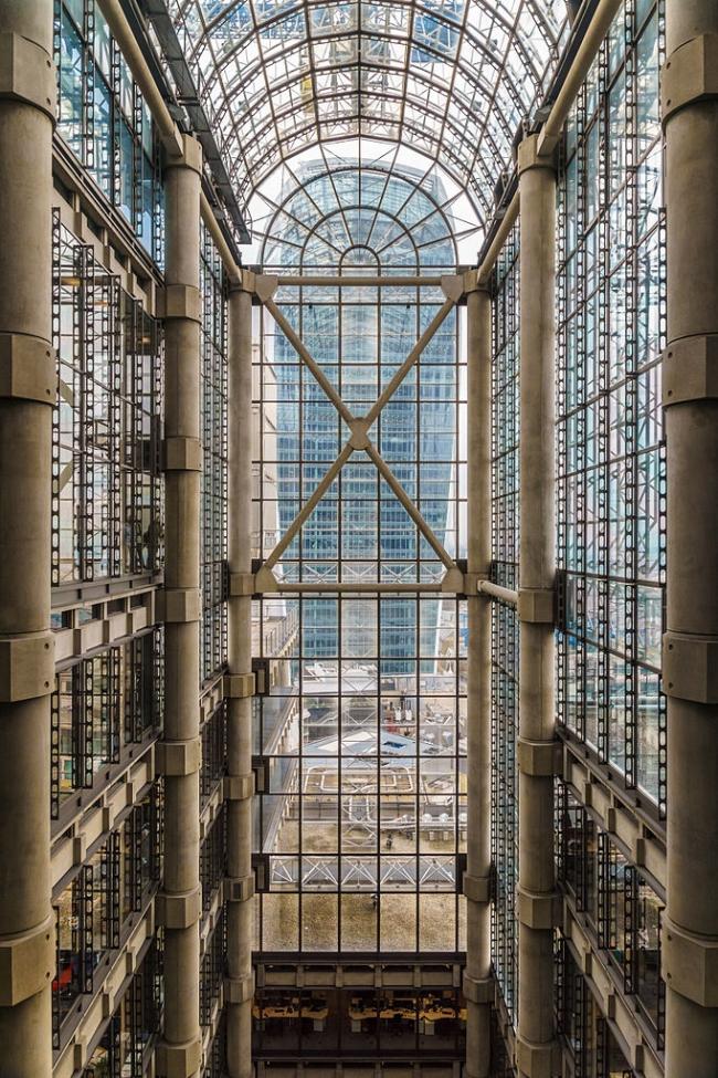 Здание Lloyd's. Фото: Colin via Wikimedia Commons. Лицензия CC BY-SA 4.0
