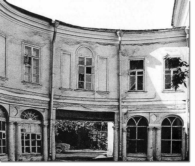 Галереи дома Бибиковых. ул. Большая Никитская, 46