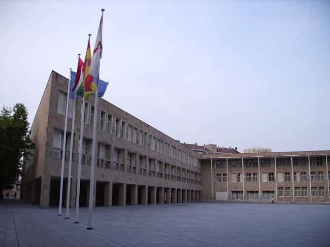 Комплекс городской администрации Логроньо. Фото: MiguelAngelNieto via Wikimedia Commons. Лицензия CC-BY-SA-2.0