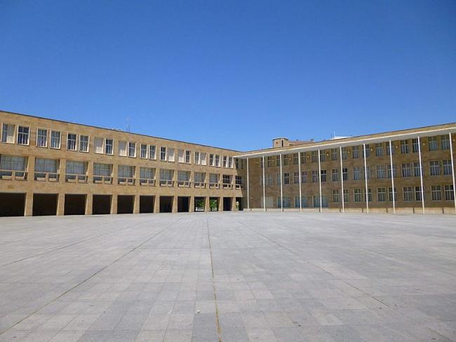 Комплекс городской администрации Логроньо. Фото: Zarateman via Wikimedia Commons. Фото находится в общественном доступе