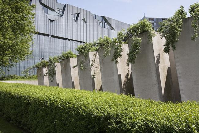 Еврейский музей в Берлине. Фото: Jorge Royan via Wikimedia Commons. Лицензия CC BY-SA 3.0