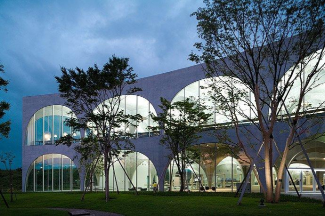 Библиотека Университета искусств Тама © Iwan Baan