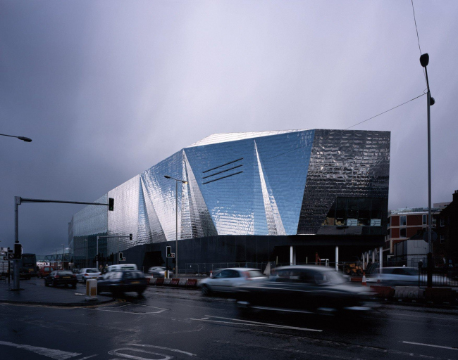 Кинотеатр Cineplex © FOA – Foreign Office Architects