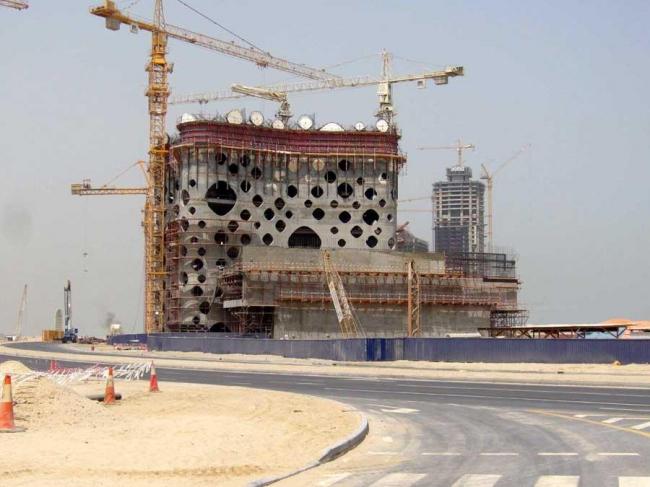 Башня O-14 в процессе строительства