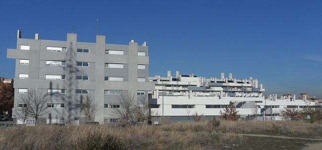 Квартал социального жилья в Мадриде. Фото: Luis García via Wikimedia Commons. Лицензия GNU Free Documentation License, Version 1.2