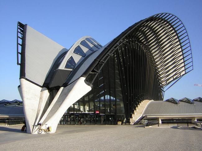 Железнодорожная станция TGV в аэропорту Лиона. Фото: Robert Jack via flickr.com. Лицензия CC BY-SA 2.0