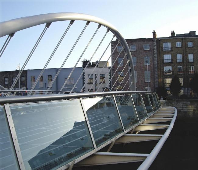 Мост Джеймса Джойса. Фото: self via Wikimedia Commons. Фото находится в общественном доступе