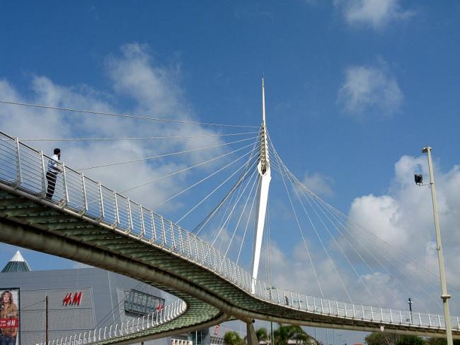 Мост в Петах-Тиква. Фото: Юкатан via Wikimedia Commons. Лицензия CC-BY-SA-3.0