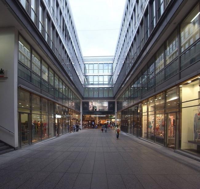 Торговый центр Funf Hofe. Фото: Karl432 via Wikimedia Commons. Лицензия CC-BY-SA-3.0