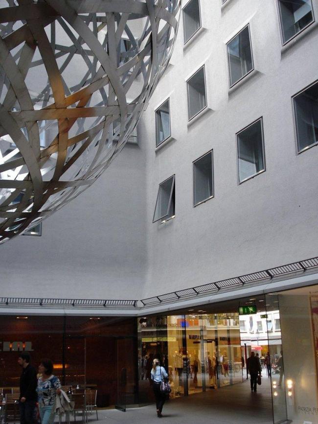 Торговый центр Funf Hofe. Фото: Timothy Brown via flickr.com. Лицензия CC BY 2.0