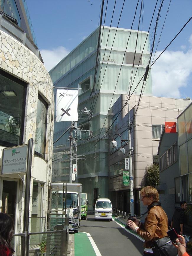 Магазин Dior Omotesando. Фото: japanese_craft_construction via flickr.com. Лицензия CC BY 2.0