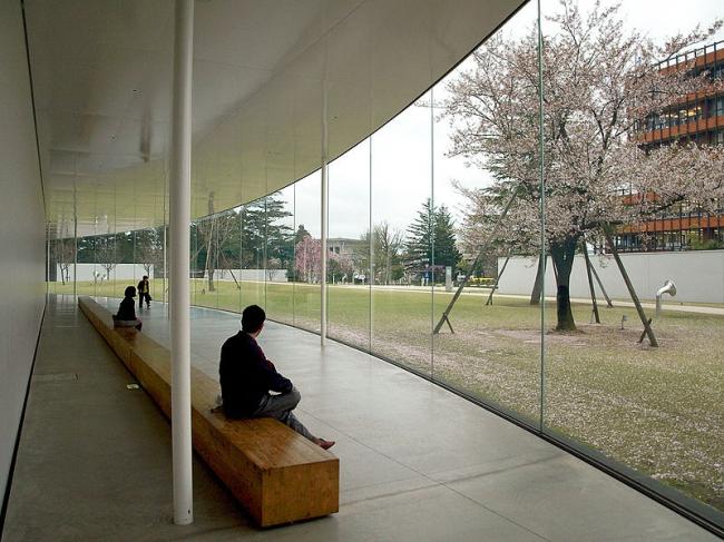 Музей искусства XXI века в Канадзава. Фото: pat_ong via Wikimedia Commons. Лицензия  CC-BY-2.0
