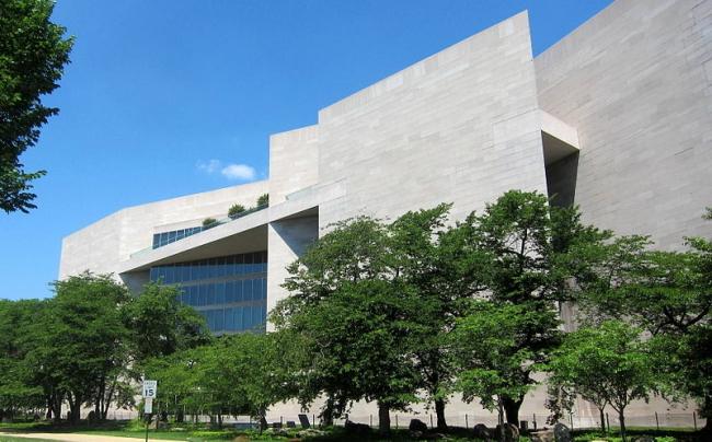 Национальная галерея искусств. Восточное крыло. Фото: AgnosticPreachersKid via Wikimedia Commons. Лицензия CC-BY-SA-3.0