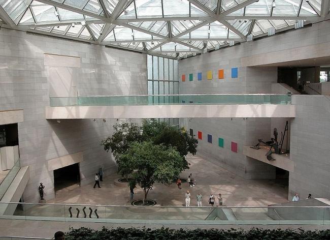 Национальная галерея искусств. Восточное крыло. Фото: Fritz Geller-Grimm via Wikimedia Commons. Лицензия СС-BY-SA-2.5